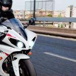 Importancia de revisar la iluminación de motocicletas y ciclomotores