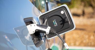 Tipos de conectores en los vehículos eléctricos