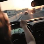 Mujeres sobre ruedas: tendencias en el seguro del automóvil