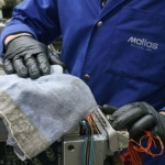 El paño de limpieza de MEWA se integra en los procesos industriales 4.0
